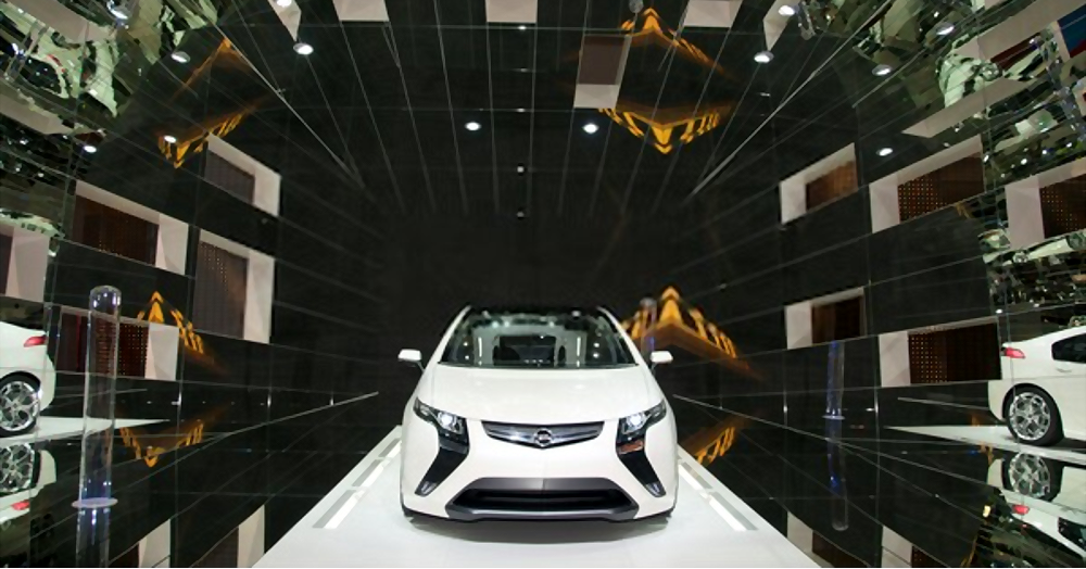 An Opel Ampera electric concept car on display
